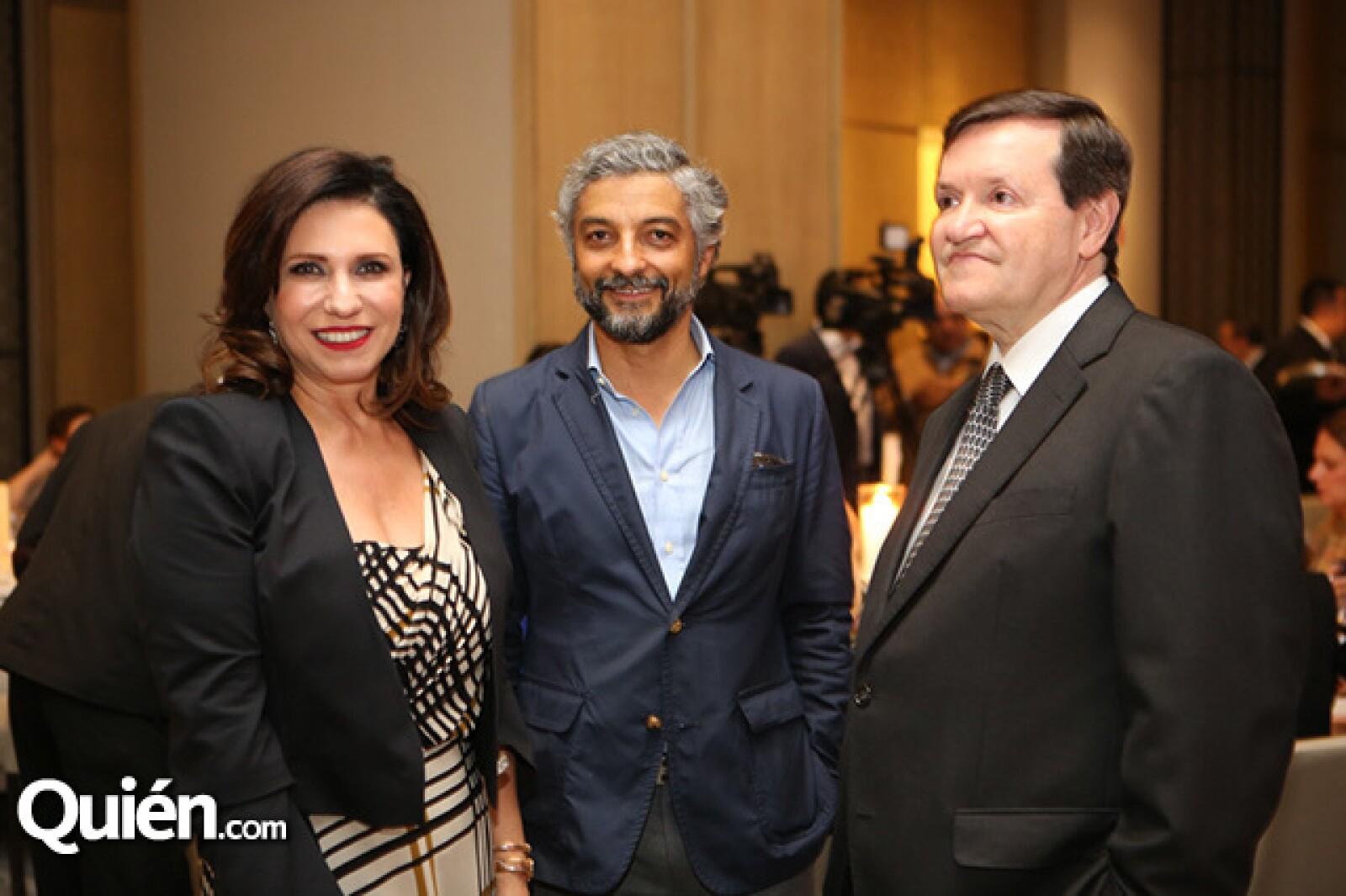 Maribe Lancioni,Alejandro Escudero y José María Zas