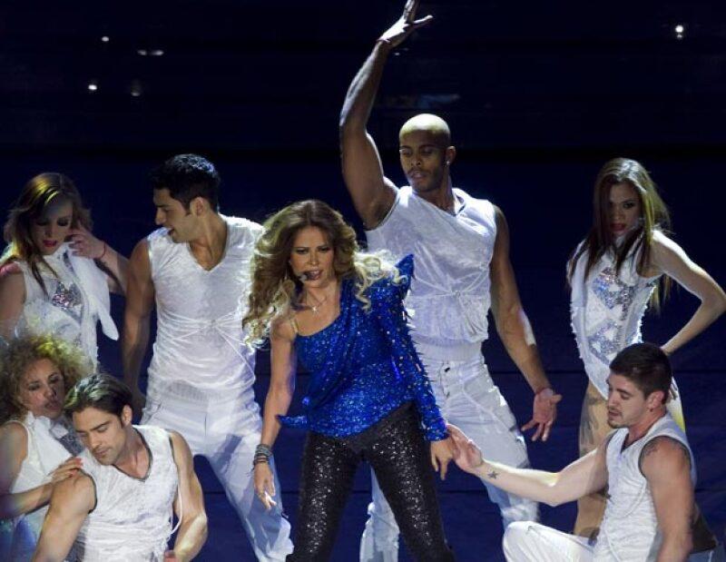 Por séptima fecha consecutiva, ayer por la noche la cantante regiomontana llenó a reventar el Auditorio Nacional y adelantó que el 1 de marzo del 2013 regresará al coloso con su Tour Gloria.