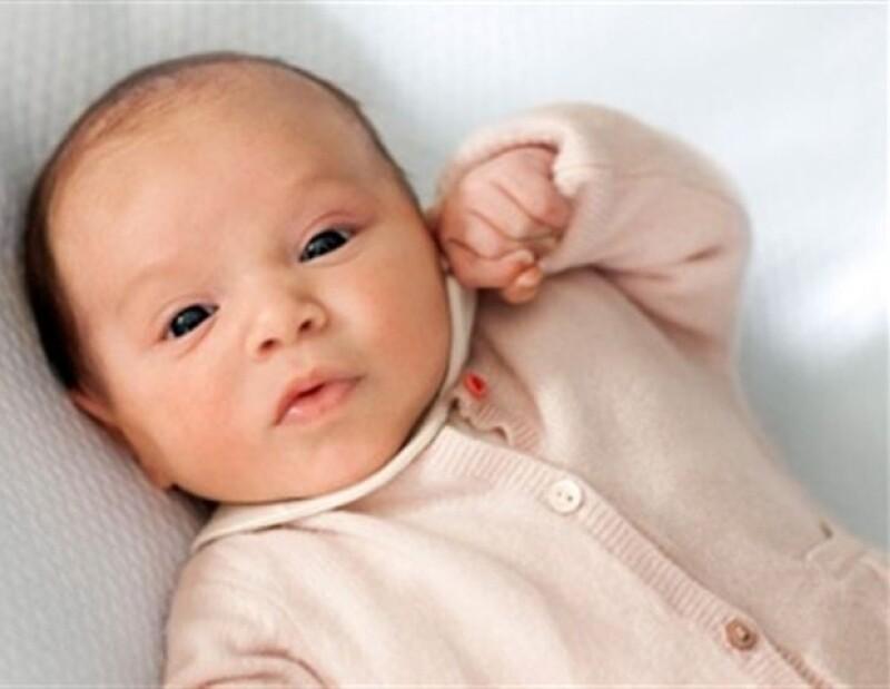 La Familia Real danesa presentó a la nueva hija de los príncipes Joaquín y Marie; la pequeña, como es costumbre en el Reino, recibirá su nombre el día de su bautizo.