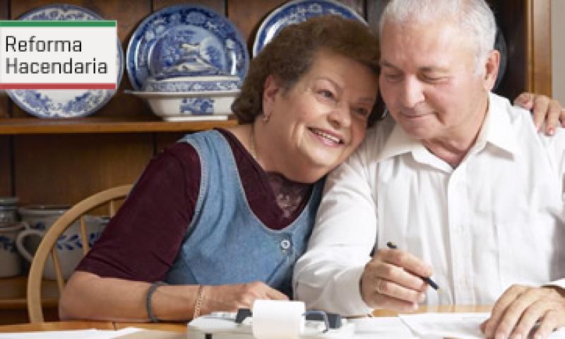 La pensión universal daría un apoyo de 1,092 pesos mensuales a los adultos de 65 años y más que actualmente no reciben una pensión. (Foto: Archivo)