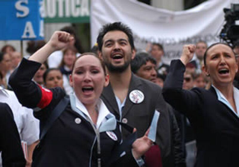 """Clavel dijo que el sindicato expresó desea aportar soluciones, sin """"ceder en las cláusulas del contrato colectivo de trabajo"""". (Foto: Notimex)"""