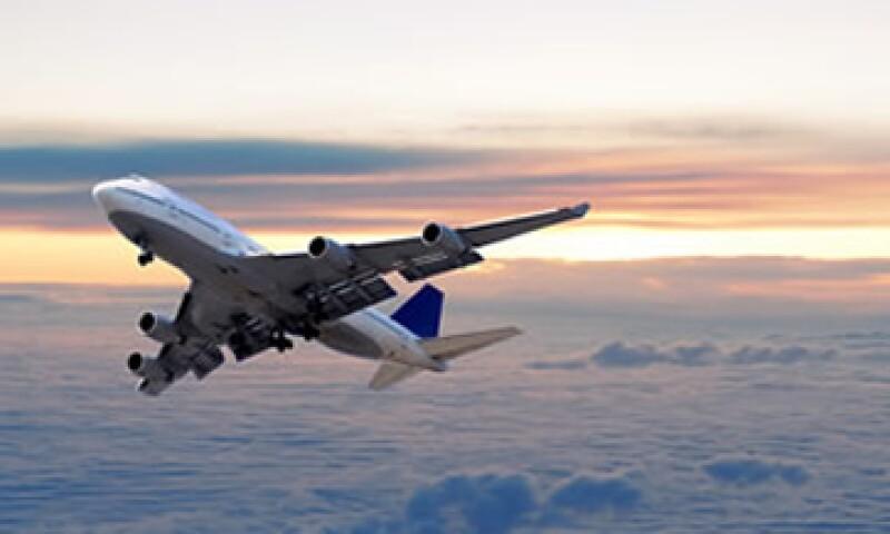 Las altas tarifas de las aerolíneas arriesgan a más de 50,000 familias que dependen de la actividad de las agencias de viajes. (Foto: Thinkstock)