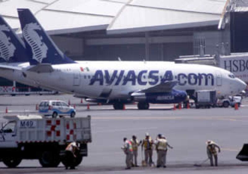 Tras la suspensión, Aviacsa ofrece a los pasajeros el cambio de fecha o el  reembolso en un lapso de 25 días. (Foto: Notimex)