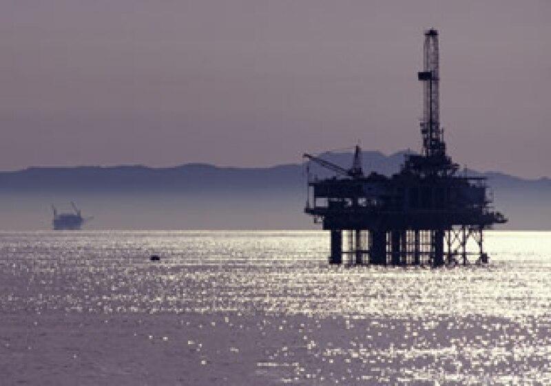 Las empresas petroleras buscan contratos competitivos para invertir en sectores petroleros específicos. (Foto: Photos to go)