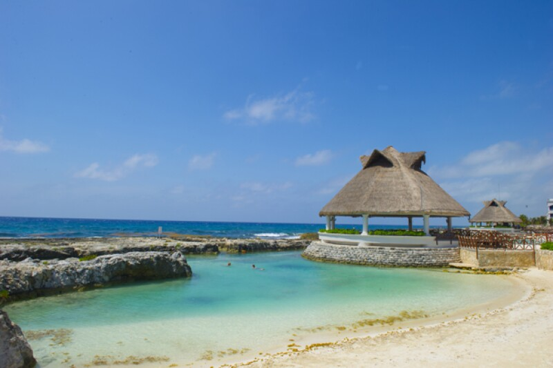 La privilegiada vista de la playa privada del hotel.