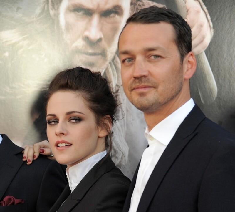 Kristen y Rupert viajaron a varios países para el estreno de Blancanieves y la leyenda del cazador.
