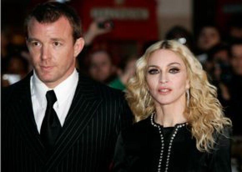 Este viernes, la Reina del Pop y el cineasta darán el primer paso de su separación oficial en una audiencia rápida prevista en Londres. Por otro lado, el director rechaza el dinero de la cantante.