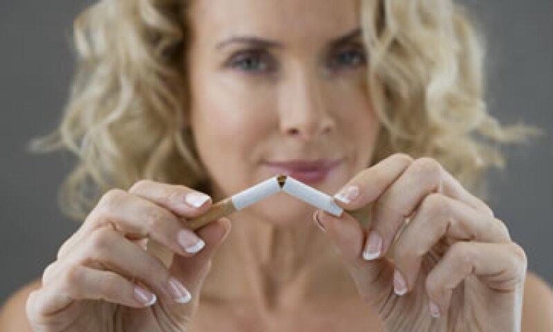Solo las personas más disciplinadas pueden dejar el cigarro sin ayuda. (Foto: Getty Images)