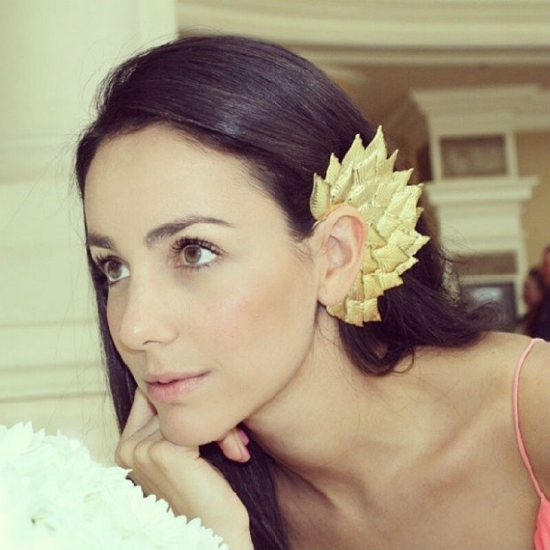 Chantal también gusta de usar atractivos accesorios que realcen su personalidad.
