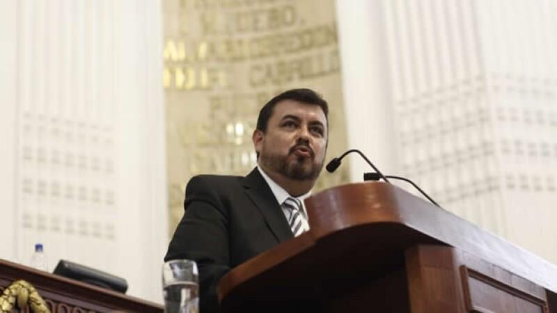 Hiram Almeida Estrada llega a la Secretaría de Seguridad Pública del Distrito Federal tras ser ratificado por el presidente de México