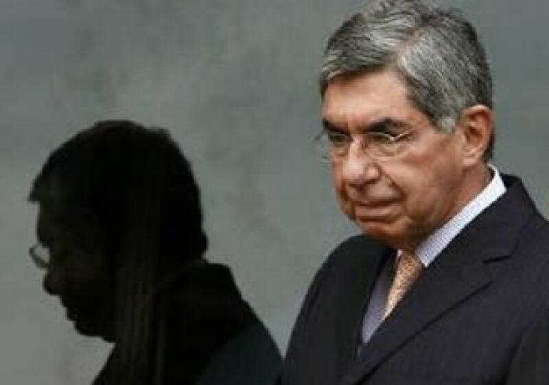 Óscar Arias está recibiendo el tratamiento Tamiflu. (Foto: Reuters)