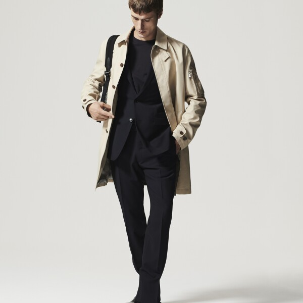 4 DIOR_MEN'S_DIOR_ESSENTIALS_©Brett Loyd_22.jpg