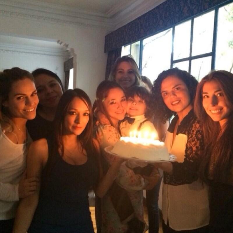 Sherlyn y sus amigas en plena celebración