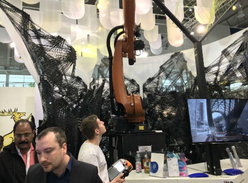 exposici�n de robot en la feria de Hannover 2018