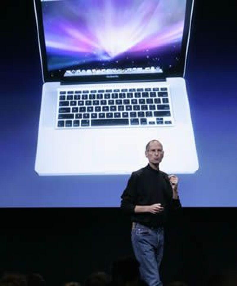 La próxima semana, la compañía dirigida por Steve Jobs lanzará computadoras de bajo costo.