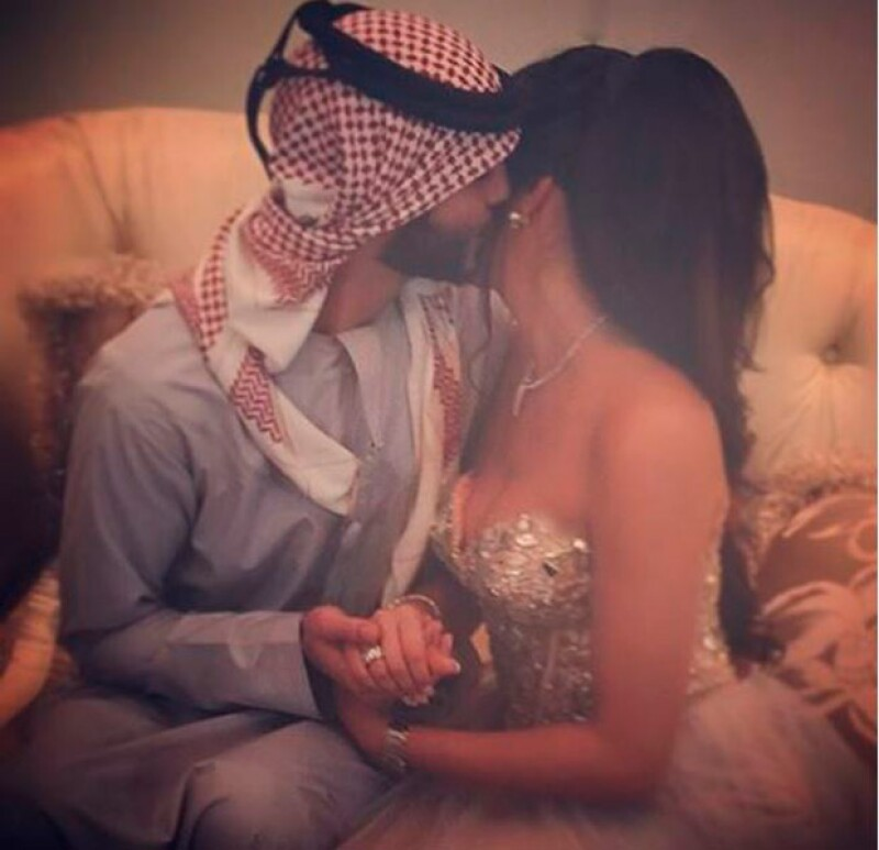 La pareja se mostró muy enamorada durante el enlace.