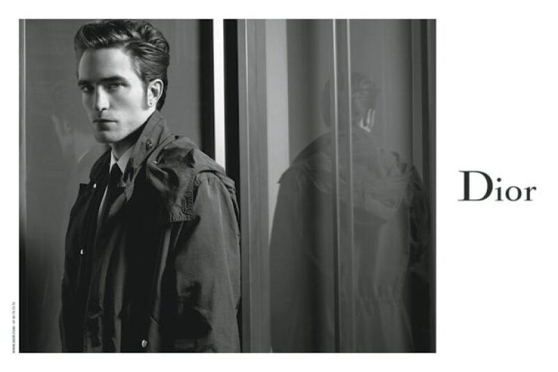 Bajo el lente de Karl Lagerfeld, el actor regresa a los reflectores y acapara las noticias esta semana gracias a que ahora es imagen de una gran firma de moda, ¿cuál es?