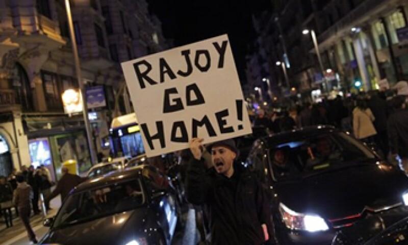 Los españoles han mostrado su descontento sobre el escándalo de supuesta corrupción en el país. (Foto: AP)