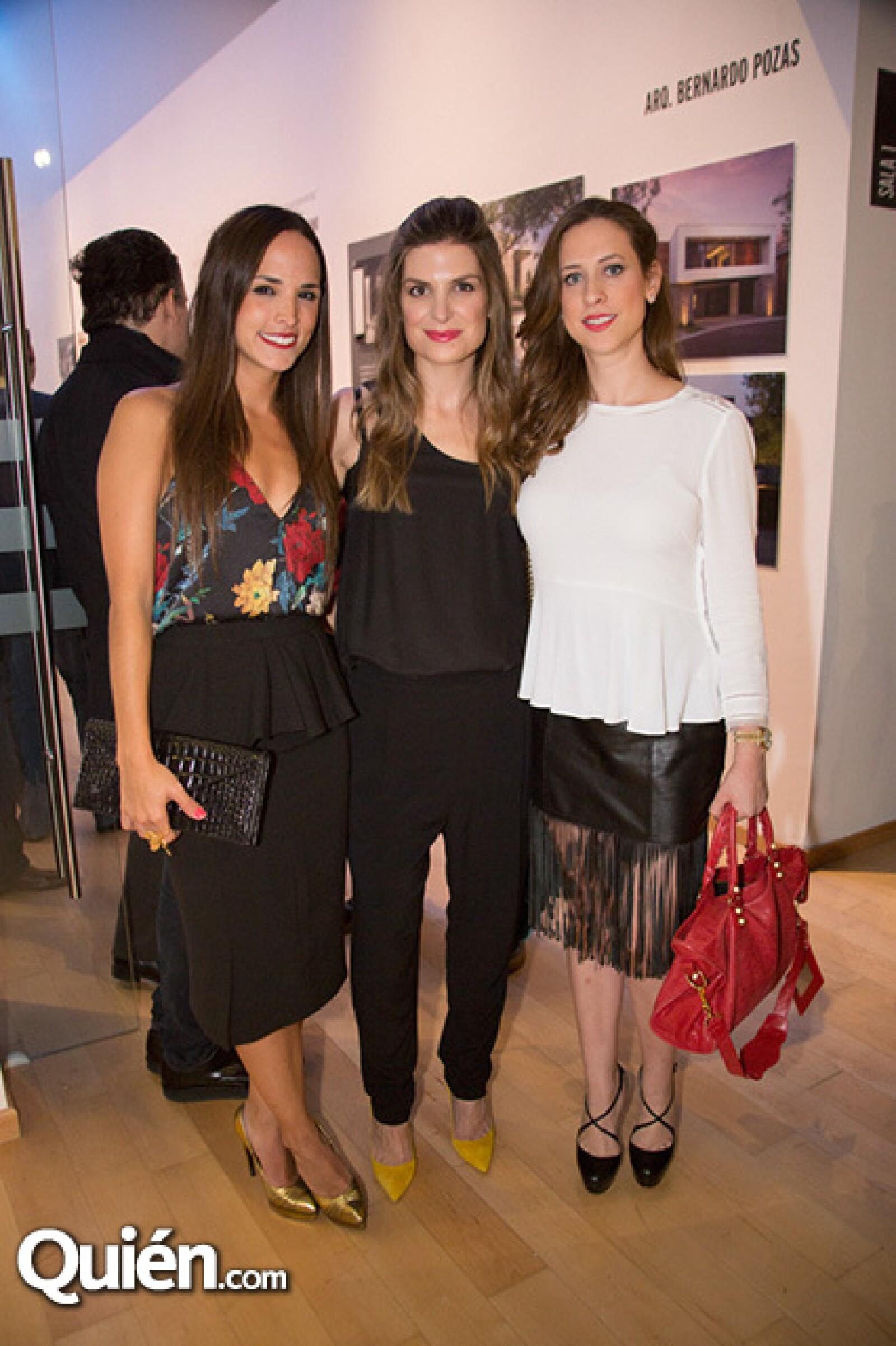 Gina Maiz de González,Cordelia de la Garza de Lobo y Carla Zambrano de Calderón