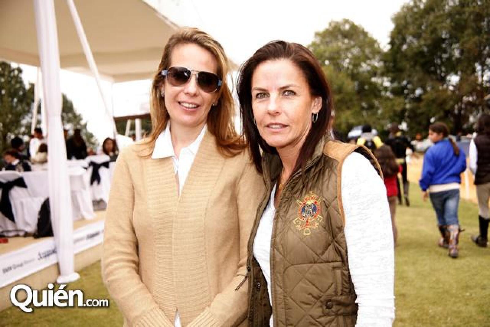 Mónica Fernández,Jacqueline Iturbide