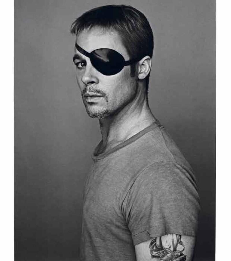 El actor hizo gala de sus dotes histriónicos y posó con diferentes estilos para la revista Interview. Además, habló de su nueva película `Killing Them Softly´.