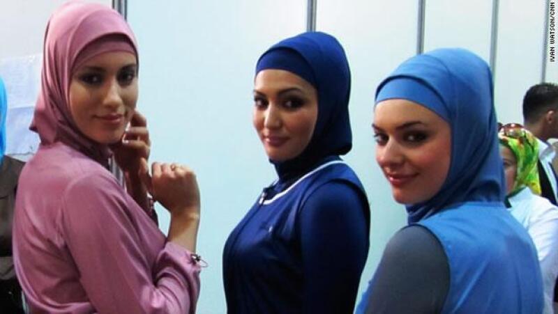 Modelos presumen los trajes de baño de Hassam