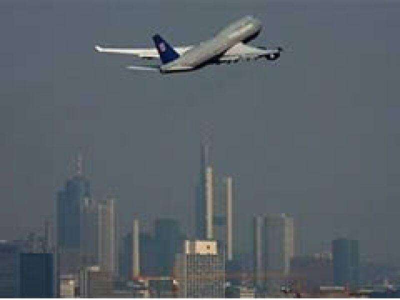 El fabricante de la marca Boeing ha dotado a United Airlines de aviones para viajes largos, como este 747. (Foto: Reuters)