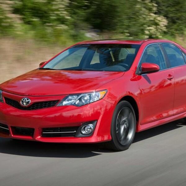 Toyota está de manteles largos por la llegada a México de la nueva generación de su sedán mediano, el Camry, el más vendido en 13 de los últimos 14 años en EU.