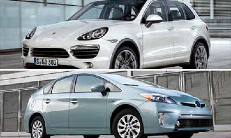 El Porsche Cayenne S Hybrid y el Toyota Prius Plug-in son las nuevas ofertas híbridas. (Foto: Cortesía Fortune)