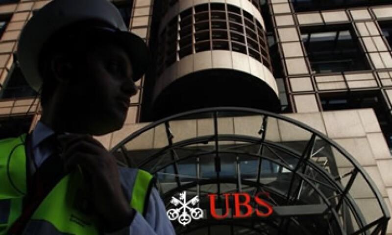 UBS no ha podido explicar el por qué no detectó la operación ilegal de su empleado. (Foto: Reuters)