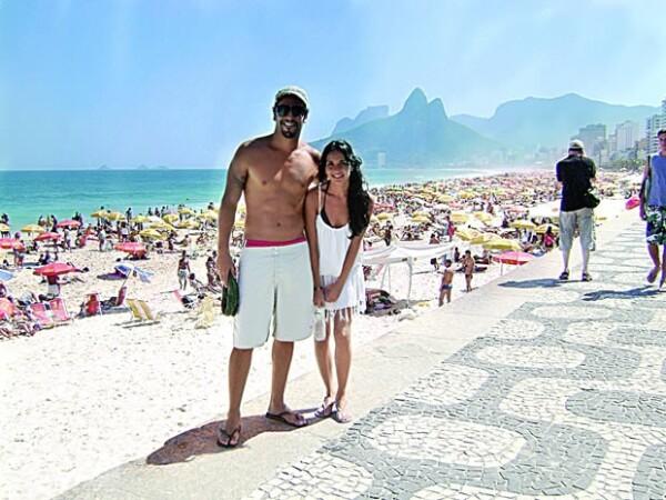 Llevan casi tres años juntos. Aquí disfrutando la playa en Río de Janeiro.