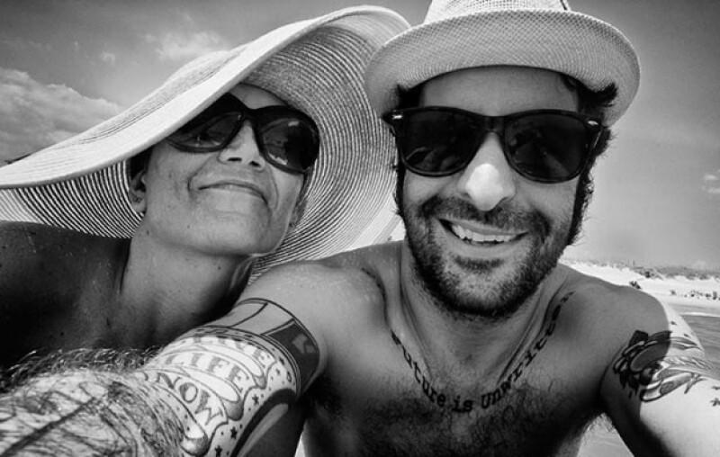 Angelo Merendino retrató a su esposa Jennifer durante su tratamiento de cáncer de mama, siempre estuvo a su lado tratando de llevar una vida lo más normal posible.