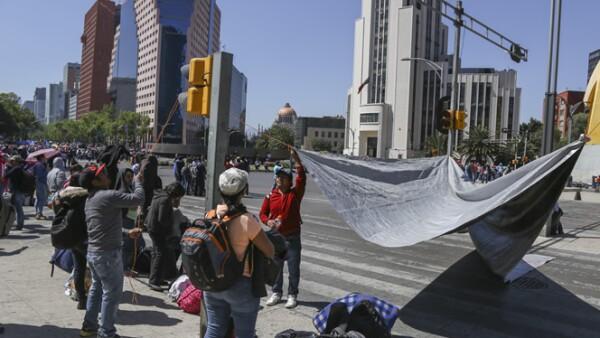 El Gobierno del DF dijo que respeta la libertad de expresión, pero que no permitiría un plantón en el Zócalo.