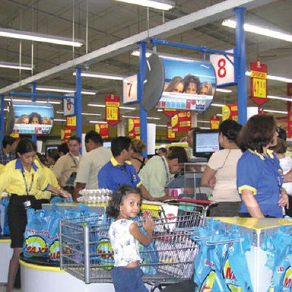 23 de noviembre de 2009 El consejo de Walmex aprueba la compra de las operaciones de la cadena en Centroamérica. Fue de las últimas operaciones de Eduardo Solórzano como CEO y la única en la que el corporativo le dio total autonomía de decisión.