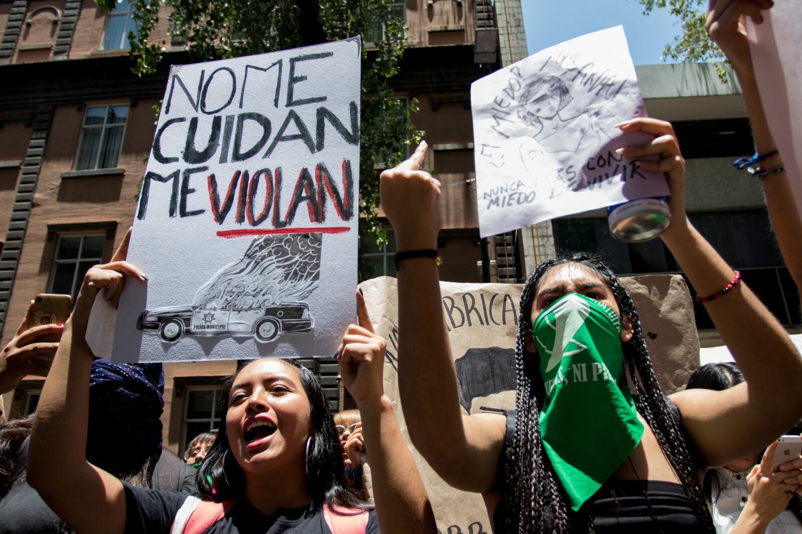 Protesta_Violaciones_Polici769a-4.jpg