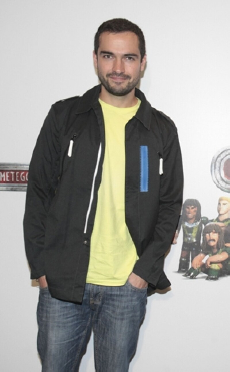 """El actor recientemente estrenó la cinta """"Espectro"""" compartiendo créditos con Paz Vega, además presto su voz para """"Metegol"""" y momentáneamente vivirá en Colombia."""