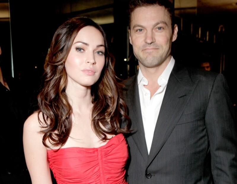 La sexy actriz tomó su Facebok para revelar antes que nadie que el bebé que esperaba con su esposo Brian Austin Green ya nació.