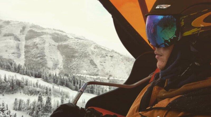 Después de cancelar presentaciones, el cantante ha decidido tomar unos días libres esquiando. Sin embargo, no ha revelado el destino exacto de su viaje.