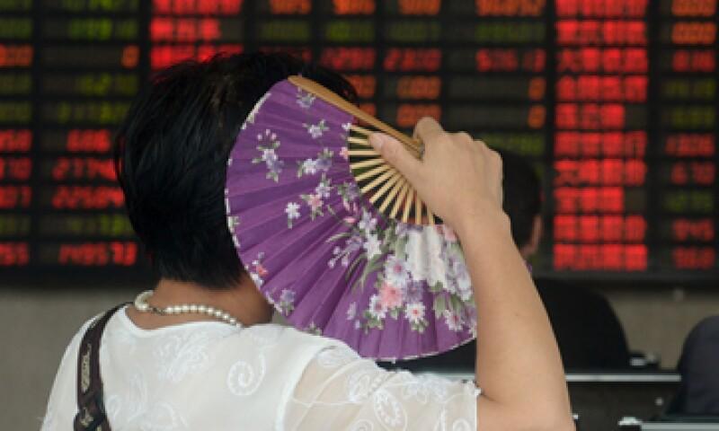 La respuesta de los dos principales índices bursátiles chinos osciló entre ganancias y pérdidas de más de 3%. (Foto: Reuters )