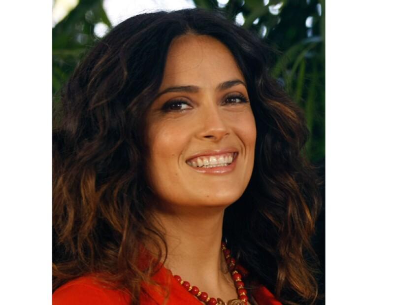 Durante su visita a Cancún, la actriz expresó su sentir por lo que sucede en México y asegura que el país está pasando por un momento muy difícil.