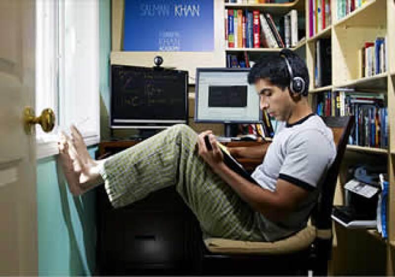 Sal Khan trabajaba en una firma de manejo de fondos de inversión, mientras cultivaba su proyecto Khan Academy. (Foto: Cortesía Fortune)