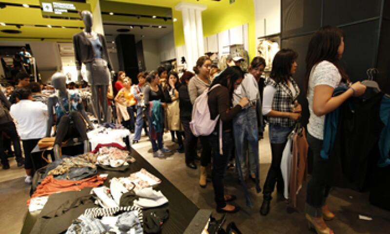 Por tipo de tienda, las que registraron más crecimiento en ventas comparables fueron las Departamentales. (Foto: Notimex)