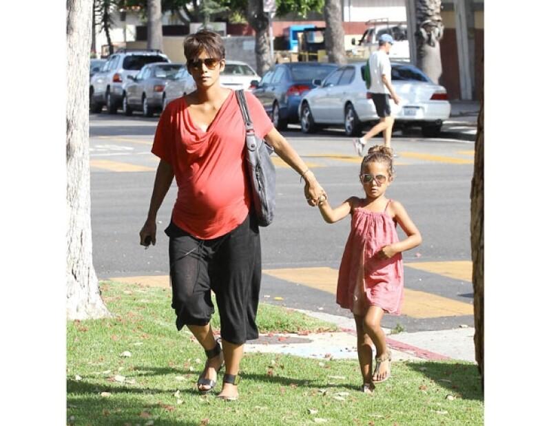 La actriz no quiere volver a dejar de trabajar despuñes de tener a su segundo hijo, de hecho aseguró que éste viajará mucho.