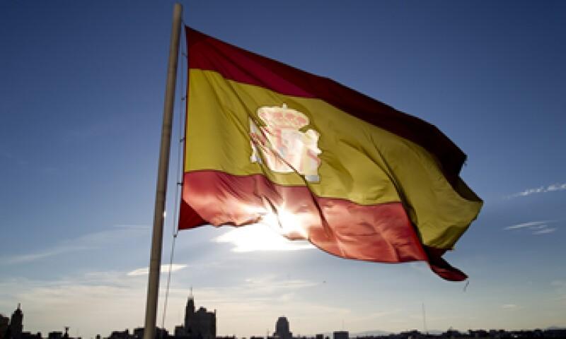 España necesita eliminar 65,000 mde de su déficit público a fin de alcanzar la meta de la UE. (Foto: AP)