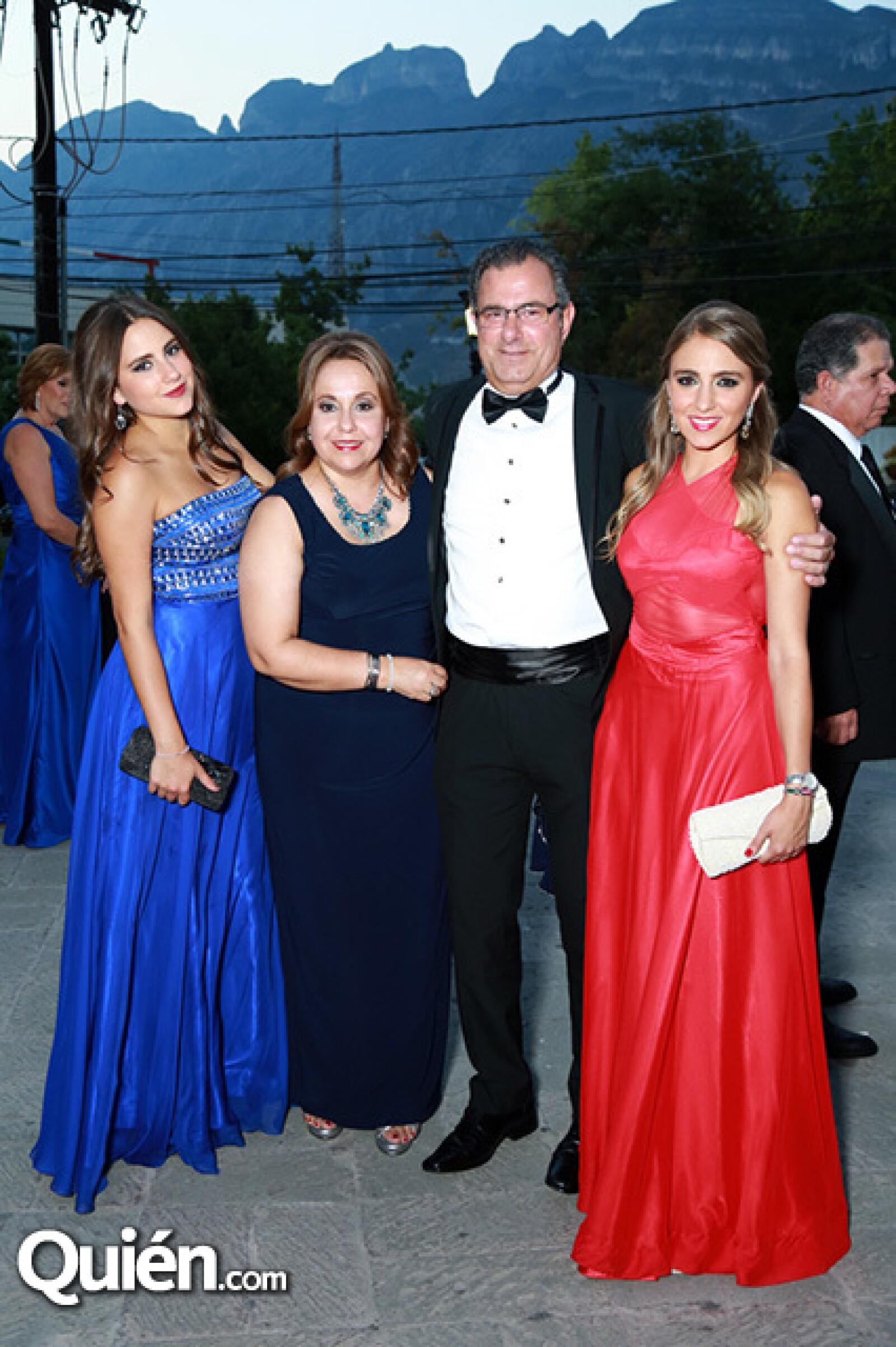 Luisa Bracho,Mónica Bracho,Jorge Bracho y Arantza Bracho.