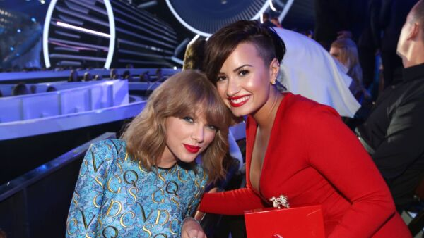 Taylor Swift y Demi Lovato