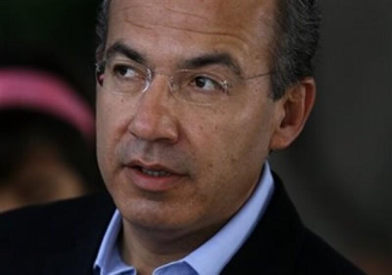 El presidente Felipe Calderón dijo que en febrero pasado se generaron 100,000 nuevos empleos. (Foto: AP)