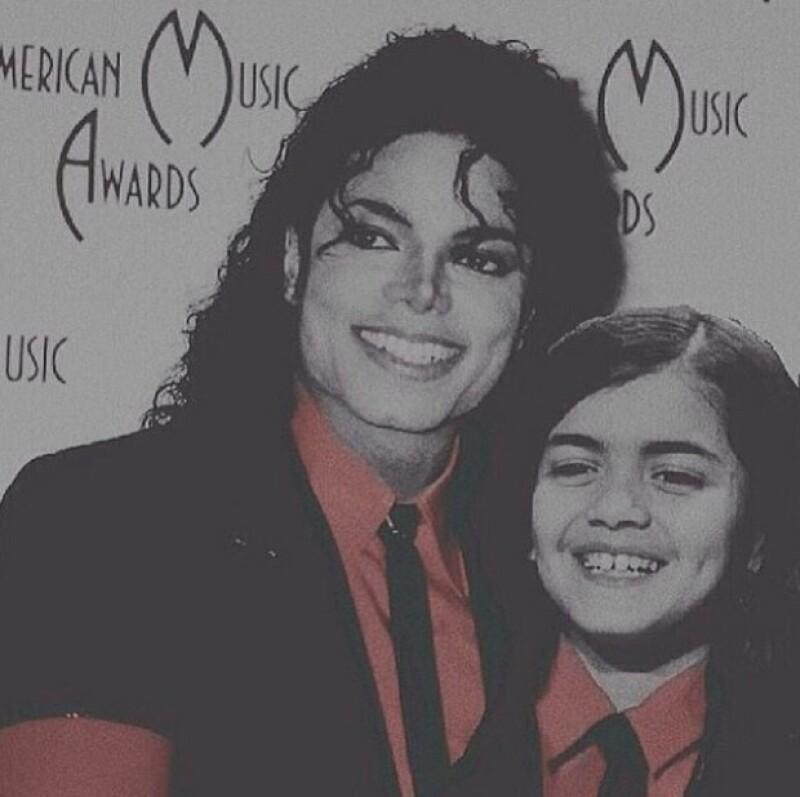 El parecido de Blanket con Michael, es cada vez más evidente, sin mencionar su lado humanitario.