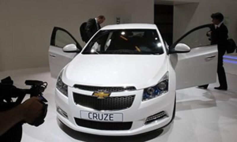GM vendió 214,915 autos en julio, por encima de los 199,692 unidades del mismo mes del 2010. (Foto: AP)