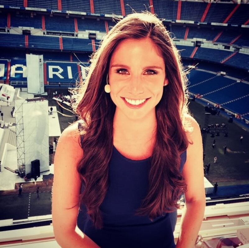 Lucía Villalón es una conductora, de 26 años, del Real Madrid TV.